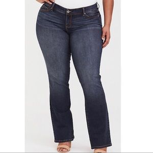 Torrid Relaxed Boot Jean Medium/Dark Wash 24R